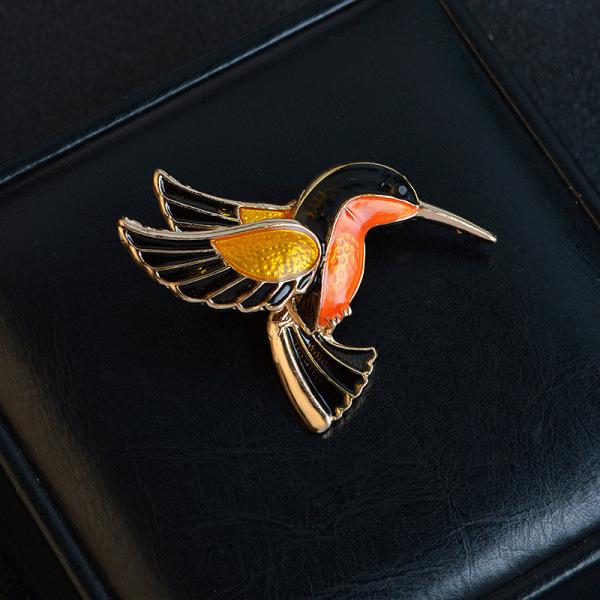 Emalj Fåglar Broschnålar Lady Klassiska modeaccessoarer Sui