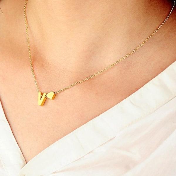 Hjärtformade krafthalsband golden