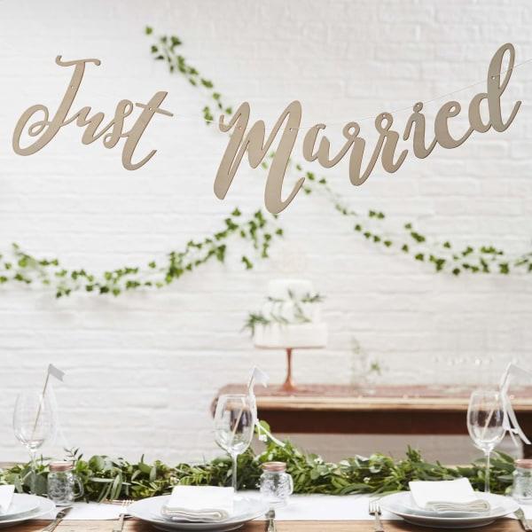 Girlang Just Married - Botanical Wedding
