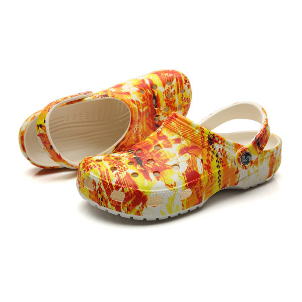 Ladies hole shoes summer slippers comfortable and healthy shoes Red,36