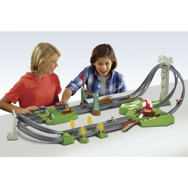 Hot Wheels Mario Kart Mario Circuit Track Set multifärg