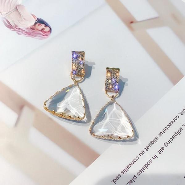 Vackra transparenta 18k guld örhängen i kristall triangel Guld one size