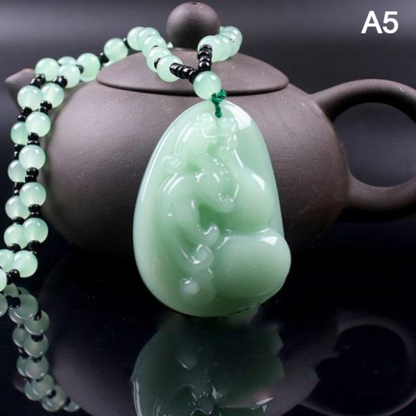 1 st Burmesisk Emerald Jade Carving Zodiac Rat hänge med Handmad