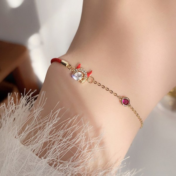 1 st Ko-serien Röd strängarmband Baby Ko Kvinnors smycken Enkelt